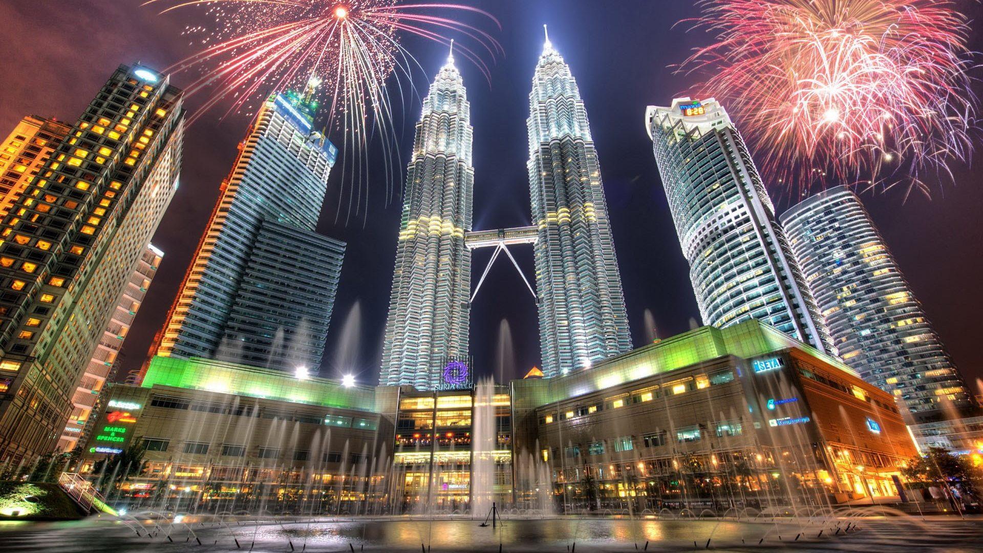 skyscrapers-petronas-towers-kuala-lumpur-fireworks-kuala-lumpur-malaysia-skyscripers-capital-scy-wallpapers-1920x1080